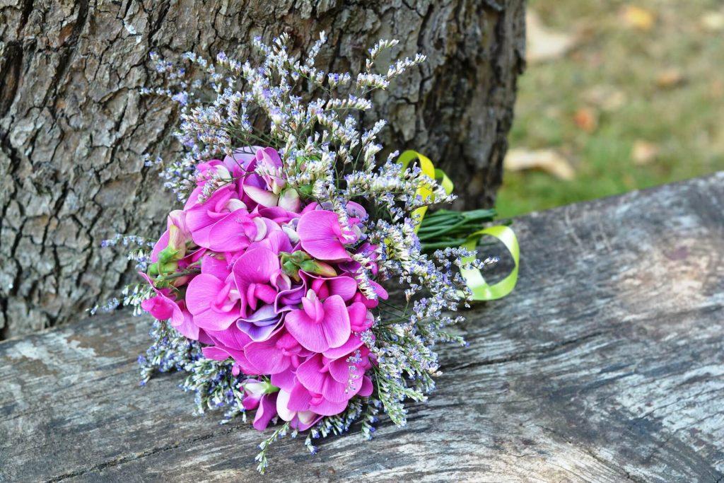 common wedding flowers sweet pea